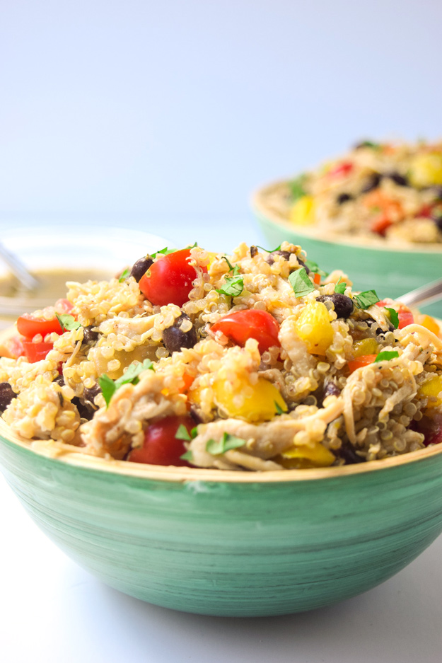 Chicken Verde Quinoa Bowls - full of flavor and protein, these quick bowls are the prefect make ahead lunch or potluck dish! | tastythin.com