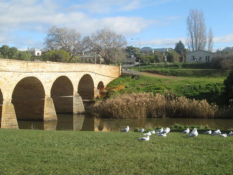 800px-Richmond_Bridge_Irenaharrison