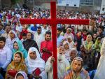 Sri Lanka Christians Stayed home to Pray after Easter bombings