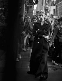 walking-by-peter-lindbergh-for-vogue-italia-october-2016-11