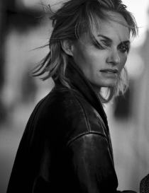 walking-by-peter-lindbergh-for-vogue-italia-october-2016-27