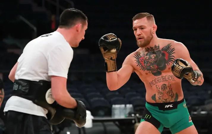 Conor McGregor receberá multa caso aplique golpes de MMA em Mayweather (Foto UFC)