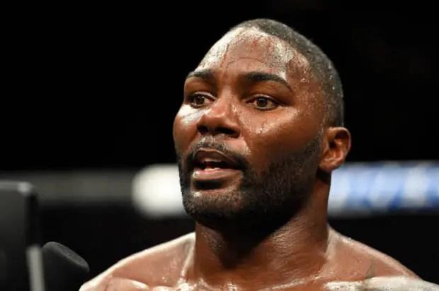 Anthony Johnson abriu as portas para voltar ao MMA em luta contra Jon Jones (Foto: Getty Images)