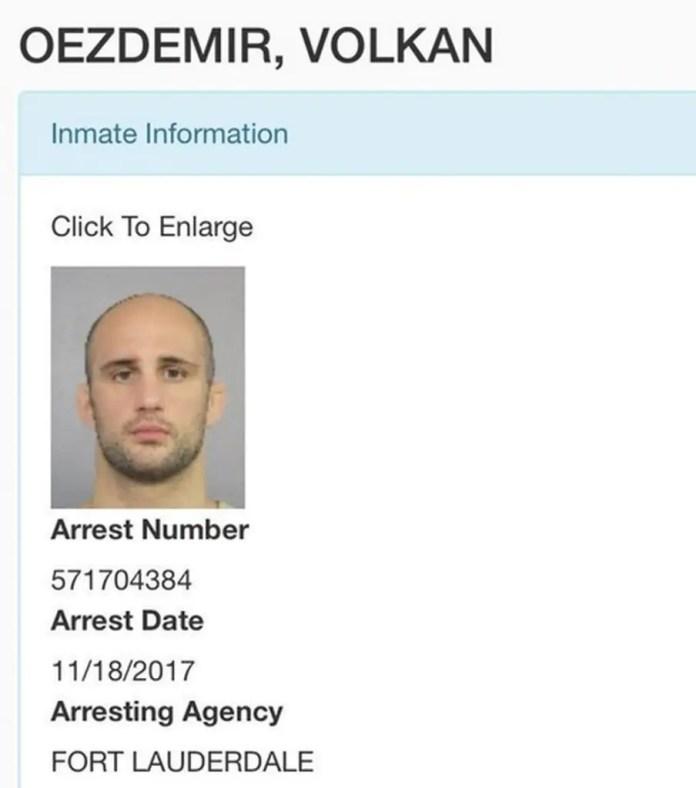 Site da polícia da Flórida mostra dados após prisão de Oezdemir (Foto: Reprodução/Twitter)