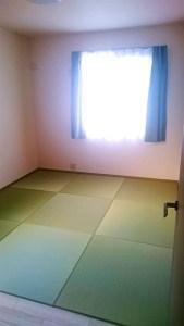 部屋全体に敷きたかったので、オーダー出来て良かったです。