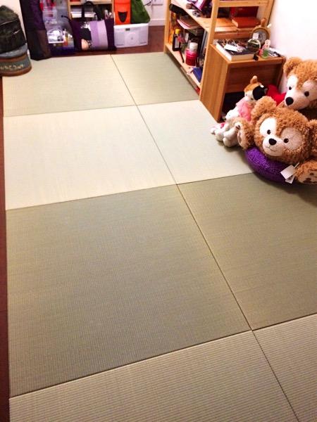 畳の縞縞模様