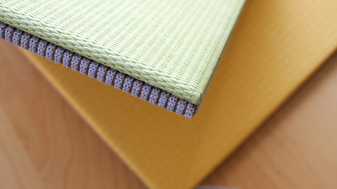リバーシブル仕様の畳を側面から見た感じ