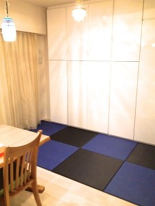 【黒と藍色の市松模様】素材の違う畳表の組み合わせでオリジナルの和空間が完成