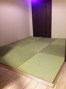 白っぽいフローリングの洋室に畳を敷き詰めるとどうなる? → イメージ通りの良い感じの和室になります。