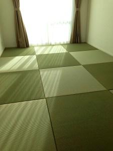 畳を自分で敷くのは難しそう → そんなことありませんよ!実に簡単に敷けます