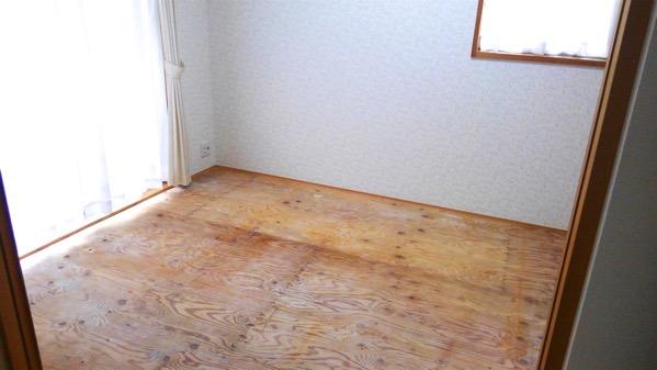 畳を処分しベニア板の床