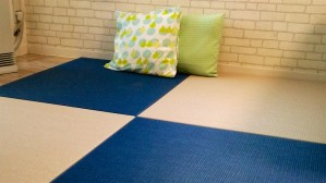 清流(和紙表)17藍色と14灰桜色の組み合わせで置き畳を製作