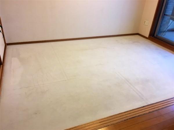 畳を撤去した和室