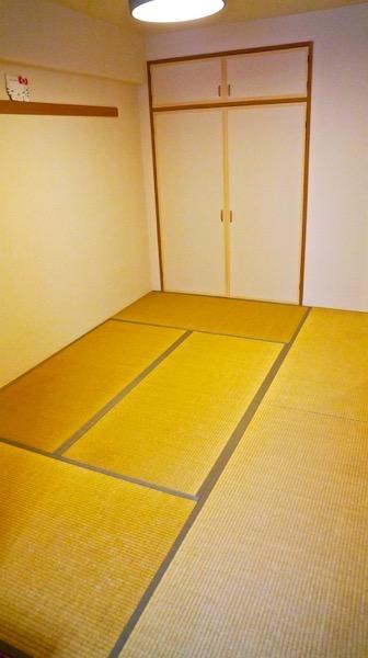 古い畳の部屋