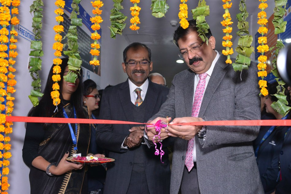 Mr. Sanjay Banga, CEO, Tata Power-DDL and Mr. M. Shenbagam, Chief Commercial, Tata Power-DDL inaugurating Delhi's First All-Women Customer Care Centre in the Power Distribution Sector in Pitampura