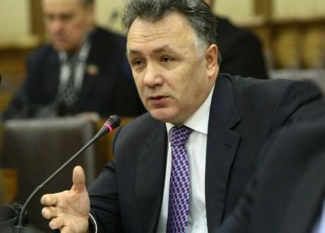 """Ильшат Аминов: """"Если в конце прошедшего года мы планировали восполнять дефицит бюджета в основном за счет федеральных кредитов, то что теперь делать с «бюджетной дырой» в 3,2 миллиарда рублей?"""""""