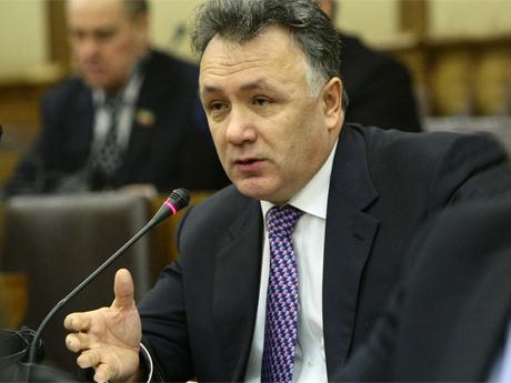 """Ильшат Аминов: """"Если в конце прошлого года мы планировали восполнять дефицит бюджета в основном за счет федеральных кредитов, то что теперь делать с «бюджетной дырой» в 3,2 миллиарда рублей?"""""""