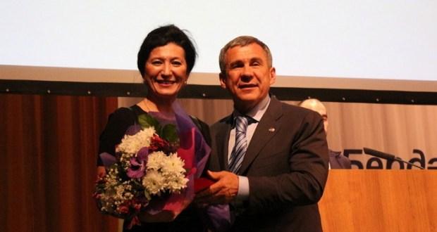 Певица из Узбекистана стала заслуженной артисткой Татарстана