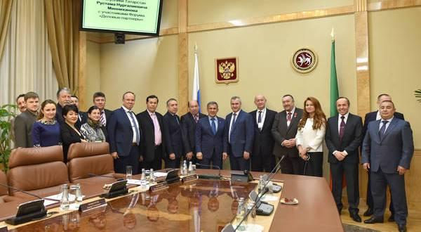 Президент Татарстана встретился с татарскими бизнесменами из регионов России и стран ближнего и дальнего зарубежья