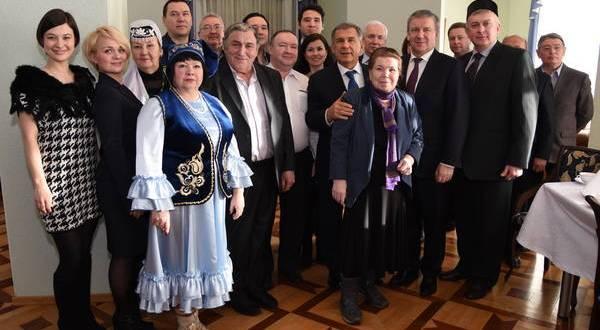 Рустам Минниханов встретился с представителями татарской общины Карелии