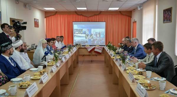 Rustam Minnikhanov in Ulan-Ude met with representatives of the Tatar community of Buryatia