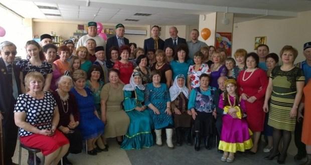Татары Приморья поздравили дам с 8 Марта