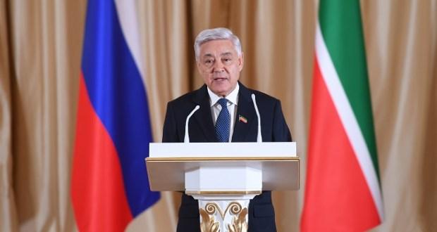 Поздравление Председателя Государственного Совета Республики Татарстан Ф.Х. Мухаметшина с Международным днем родного языка