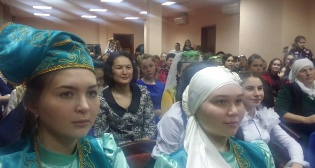 Татар теле алдынгылары Казанда бәйге тота