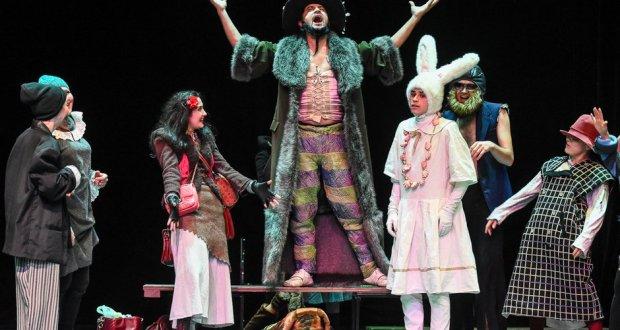 Кариев театры балаларны хәйрия спектакленә чакыра!