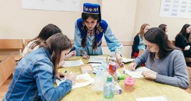 Әтнә кызы Динә Сәгыйтова — WorldSkills җиңүчесе