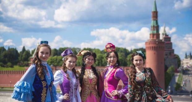Мәскәүдә «Татар кызы»нда катнашучылар башкаланың Татар бистәсе белән танышкан