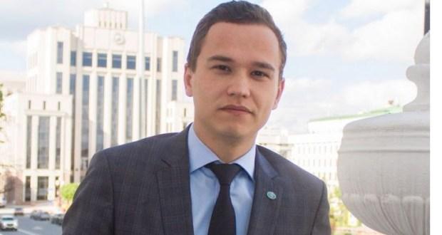 Тәбрис Яруллин: «Мин татарча сөйләшәм» – заманча, яшьләр символы»