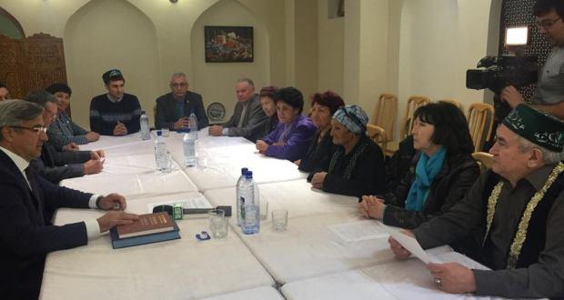 Милли шура рәисе Васил Шәйхразиев Үзбәкстанның Бохара шәһәрендә яшәүче татарлар белән очрашты