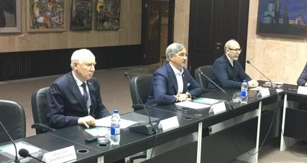 Василь Шайхразиев: Стратегию развития татарского народа примут на основе народного мнения