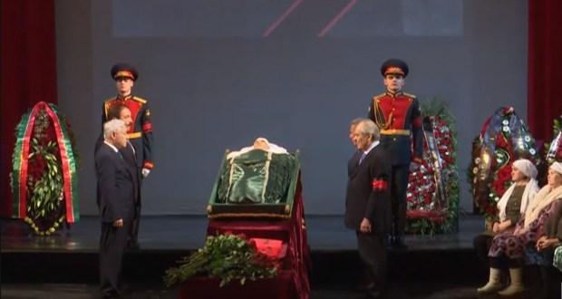 Татар дөньясы моң патшасын соңгы юлга озатты