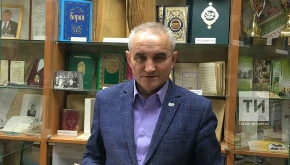 Ульяновск өлкәсе татарлары автономиясе рәисе Коръән басмаларын җыя