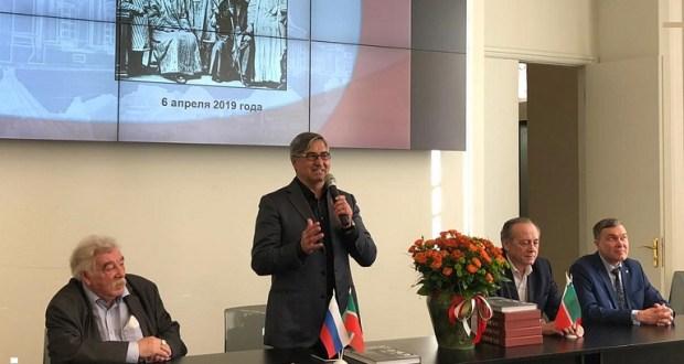 Милли шура рәисе Россиянең этнографик музее белән танышты