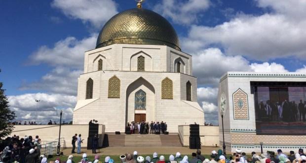 Рустам Минниханов принял участие во встрече с мусульманскими религиозными деятелями в Болгаре