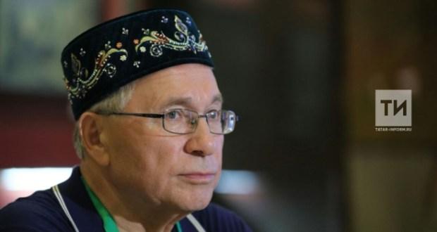 Разил Вәлиев: Телсез халык милләт була алмый