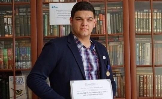 Америка премиясен россиялеләрдән беренче булып татар егете алды