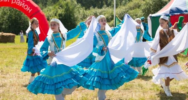 Сабантуй Тюменской области собрал тысячи участников и зрителей