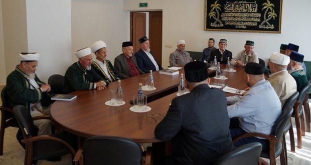 Совет аксакалов ДУМ РТ предложил дополнить квалификационные требования к имамам владением татарского