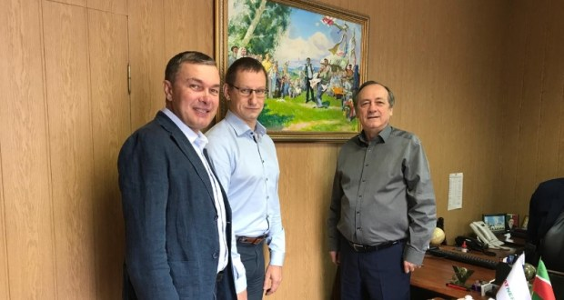 R. Valiullin visited the Tatar National Cultural Autonomy in St. Petersburg