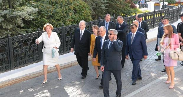 Минтимер Шаймиев и Принц Карим Ага Хан IV посетили Казанский Кремль