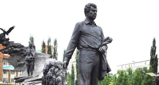 Сегодня в Башкортостане отмечают 100-летие со дня рождения выдающегося поэта Мустая Карима