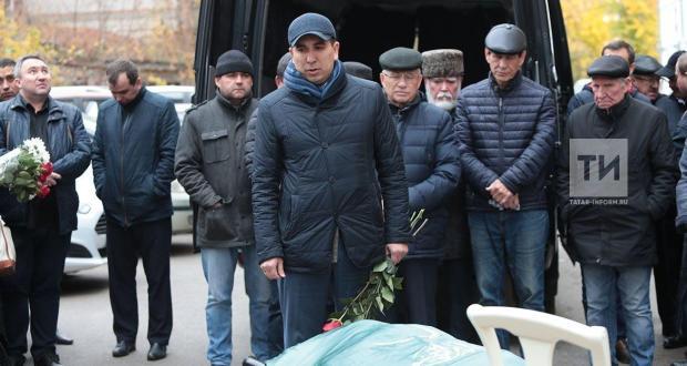 Татар җәмәгатьчелеге тарихчы Җәүдәт Миңнуллинны соңгы юлга озатты