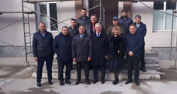 Vasil Shaikhraziev acquainted f with  construction of the Tatar Center in Novosibirsk