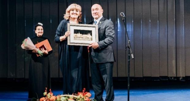Альметьевский драмтеатр отпраздновал 75-летний юбилей