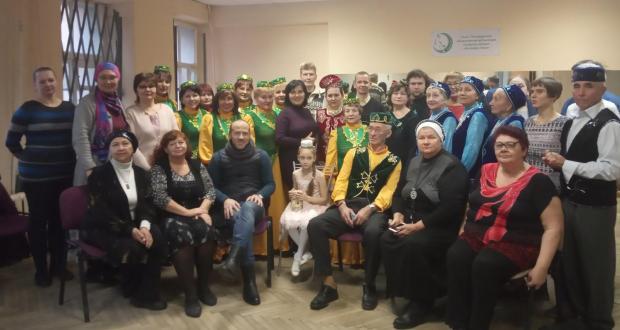 Активистки «Ак Калфак-Нева» организовали концерт в честь Дня Народного Единства