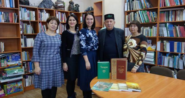 Татарская национально-культурная автономия Красноярского края передала библиотекам книги